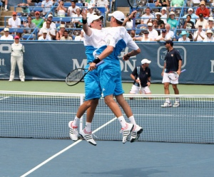 http://en.wikipedia.org/wiki/File:The_Bryan_brothers.jpg#filehistory